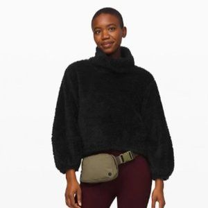 LULULEMON | NWT Sherpa Pullover | L/XL